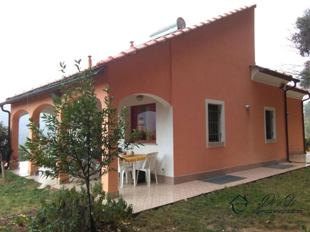 Villa in vendita a Ortovero, 10 locali, prezzo € 350.000 | PortaleAgenzieImmobiliari.it