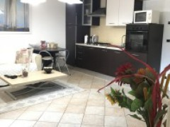 Half independent apartment in villa with private garden, car garage and cellar for sale in the Golf Club of Garlenda - 5