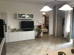 Half independent apartment in villa with private garden, car garage and cellar for sale in the Golf Club of Garlenda - 7