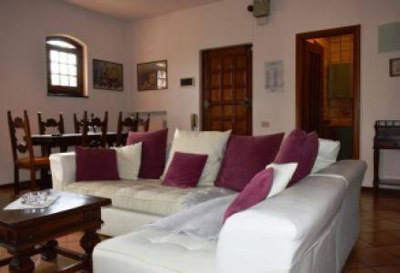 Two bedroom apartment with terrace for sale in the Golf Club of Garlenda