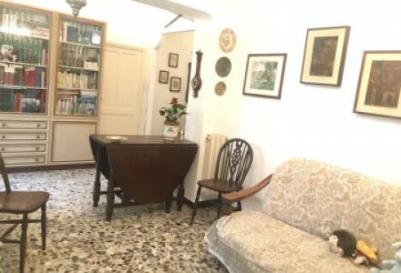 Independent house with large private garden for sale in Alassio