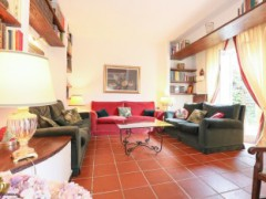 Half-independent Villa with garden and private parking spaces for sale in the Golf Club of Garlenda - 9