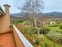 Half-independent Villa with garden and private parking spaces for sale in the Golf Club of Garlenda - 26