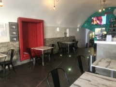 Unmissable! Renowned LOUNGE BAR / GINTONERIA / BIRRERIA with dehor for sale in downtown Loano - 11