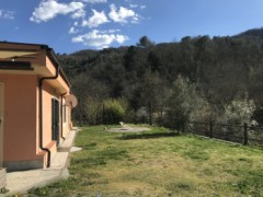 Independent villa with private garden and private land for sale in Villanova d'Albenga - 9
